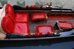 Góndola tradicional de Venecia Fotos de archivo