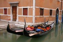 Góndola tradicional de Venecia Fotos de archivo libres de regalías