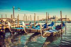 Góndolas en la plaza San Marco, Venecia imagen de archivo