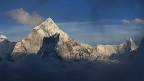 Góra Ama Dablam tuż przed zmierzchem Zdjęcie Royalty Free