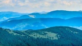 Góra bogaty ranek słońce Zdjęcia Royalty Free