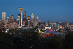 Góra Dżdżysta, Seattle zmierzch Zdjęcia Stock