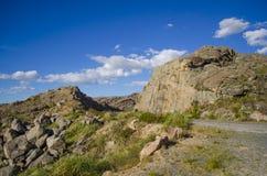 Góra, droga i chmury, Obraz Stock