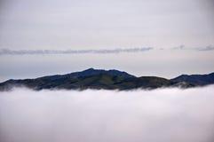Góra Hamilton w chmurach Obrazy Stock