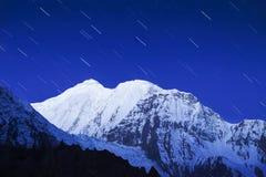 Góra i gwiazdy zdjęcie stock