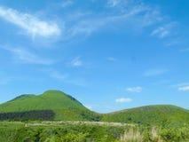 Góra i niebo Zdjęcia Stock