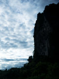 Góra i niebo w sylwetce Obraz Stock