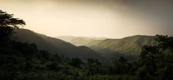 góra i zmierzch Zdjęcie Stock