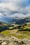 Góra krajobraz z dramatycznym niebem Obrazy Stock