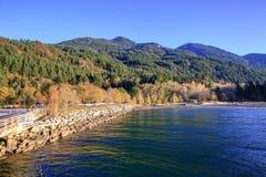 Góra krajobraz z Porteau zatoczki prowincjonału parkiem w przedpolu Obraz Royalty Free