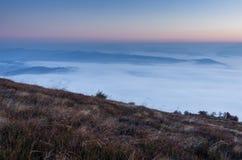 Góra krajobraz z przedpolem Góra krajobraz z przedpolem Halny tło Obraz Royalty Free