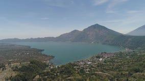 Góra krajobrazowy jezioro Batur i wulkan zdjęcie wideo