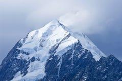 Góra Kucbarski szczyt w Aoraki góry Cook parku narodowym, Południowa wyspa, Nowa Zelandia obraz stock