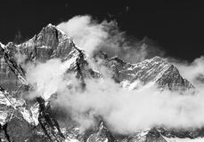 Góra Lhotse z chmurami na wierzchołku Obrazy Stock