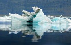 Góra lodowa glacjalny laguny ot Vatnajokull lodowiec w Iceland Fotografia Stock