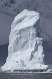 Góra lodowa jako filar na tle Obrazy Royalty Free
