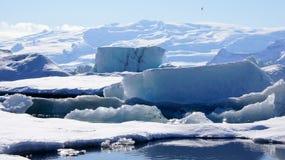 Góra lodowa przy Jokulsarlon wewnątrz w wschodnich fjords w Iceland Zdjęcie Stock