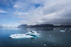 Góra lodowa w glacjalnej lagunie Jokulsarlon, Iceland Zdjęcia Stock
