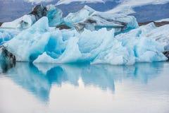 Góra lodowa w lodowej lagunie - Jokulsarlon, Iceland fotografia royalty free