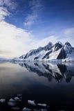 góra nakrywający śnieg obraz stock