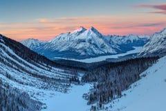 Góra Nestor W śniegu zdjęcia royalty free