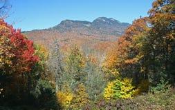 Góra Obramiająca jesień kolorami Zdjęcia Royalty Free