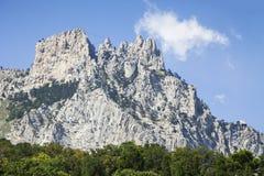 Góra Petri przeciw niebieskiemu niebu, Crimea Fotografia Stock