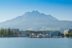 Góra Pilatus na Jeziornej lucernie w Szwajcaria Zdjęcia Royalty Free