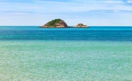 Góra po środku morza Zdjęcie Royalty Free