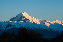 Góra szczyt z słońce wzrostem, góra Cook. Nowa Zelandia Zdjęcia Stock