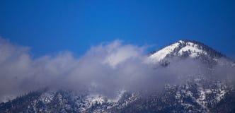 Góra w mgle Zdjęcia Royalty Free