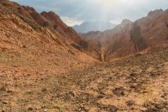 Góra w Synaj pustyni Egipt Fotografia Royalty Free