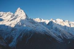 Góra wierzchołek w górach Dombai, Kaukaz Obraz Stock