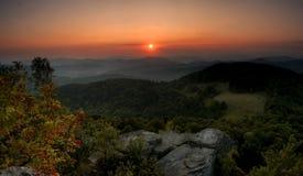 góra zielony zmierzch Obrazy Royalty Free