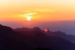 Góra zmierzchu inspiracyjny krajobraz, wyspy i ocean, zdjęcia royalty free