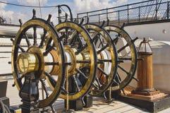 Górne kierownicy na HMS wojownika Portsmouth dokach obrazy royalty free