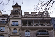 Górne piętra budynek mieszkalny w Paryż Obraz Stock