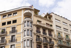 Górne piętra budynek mieszkalny w Barcelona Obrazy Royalty Free