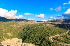 Górny Galilee gór krajobraz dryluje, kołysa, i ruiny antyczny forteca, Izrael widok zdjęcie stock