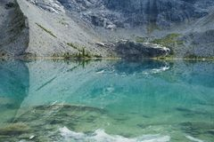 Górny jezioro na Joffre Jeziornej podwyżce blisko Pemberton Zdjęcia Stock