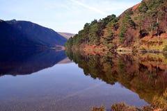 Górny jezioro w Glendalough Irlandia obraz royalty free