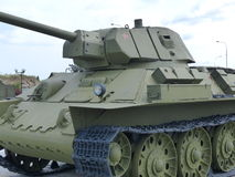 Górny Pyshma Rosja, Lipiec, - 02, 2016: Radziecki Średniego zbiornika T-34-76 mod 1942 - eksponat muzeum militarny wyposażenie Zdjęcia Royalty Free