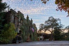 Górska chata Montelena przy zmierzchem Zdjęcie Royalty Free