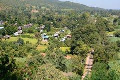 Górska wioska blisko Khaung Daing Inle jezioro Myanmar zdjęcia stock