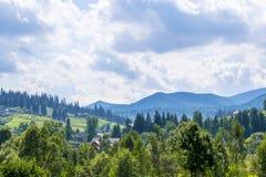 Górska wioska Vorokhta w Carpathians zdjęcia royalty free