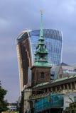 Góruje i drapacze chmur miasto Londyn Zdjęcie Royalty Free