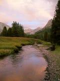 góry creek różowy Obraz Royalty Free