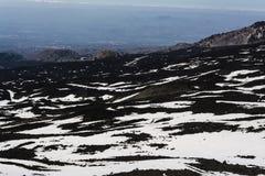 Góry Etna szczyt z śnieżnymi i powulkanicznymi skałami, Sicily, Włochy Obraz Royalty Free