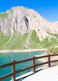 Góry i jezioro, Alps Obrazy Stock