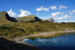Góry i jezioro w Austria zdjęcia royalty free